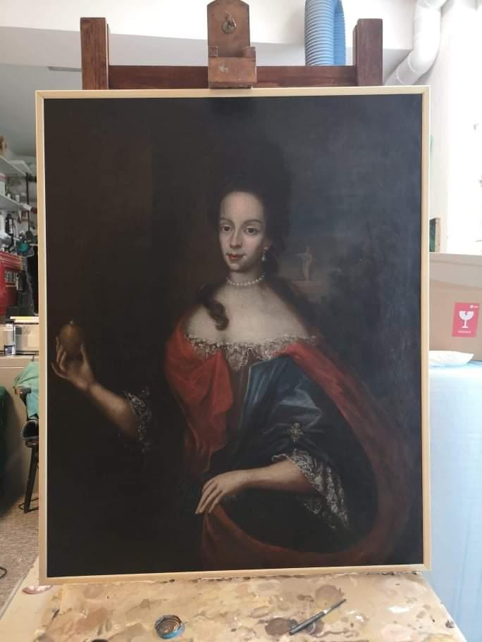 Portrét Dáma s citrónom po reštaurovaní